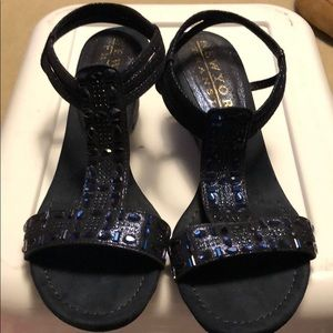 New York Transit Navy blue dressy wedge sandals